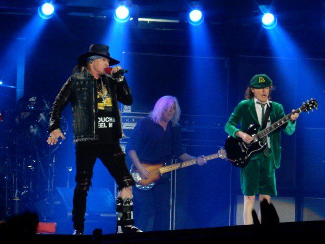 AC/DC (With Axl Rose)- Live At Vienne