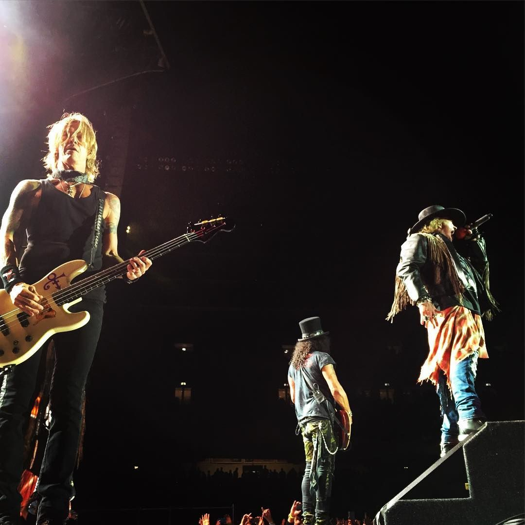 Guns N' Roses- Live At Soldier Field