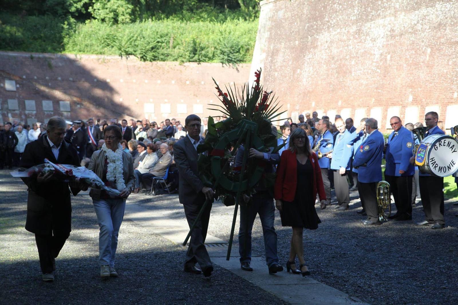 Hommage aux 218 patriotes fusillés par les nazis sous l'occupation, à la citadelle d'Arras