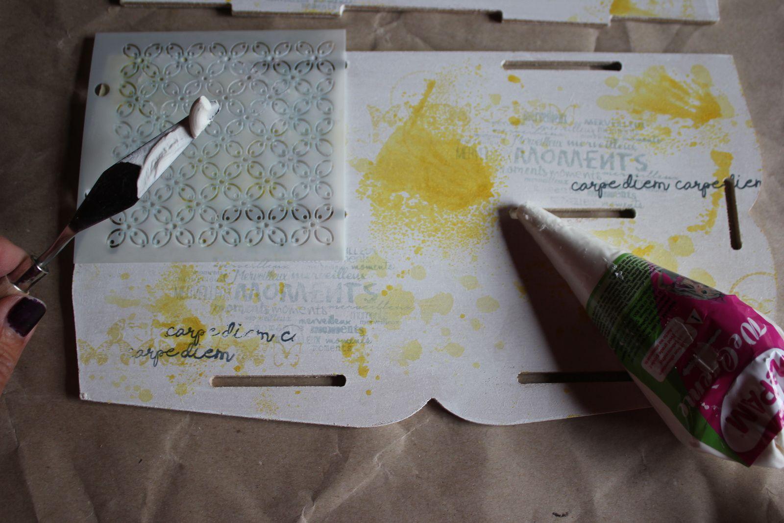Tuto en images pour décorer un range courrier, support en bois brut Scrap Plaisir - OBJ-0012
