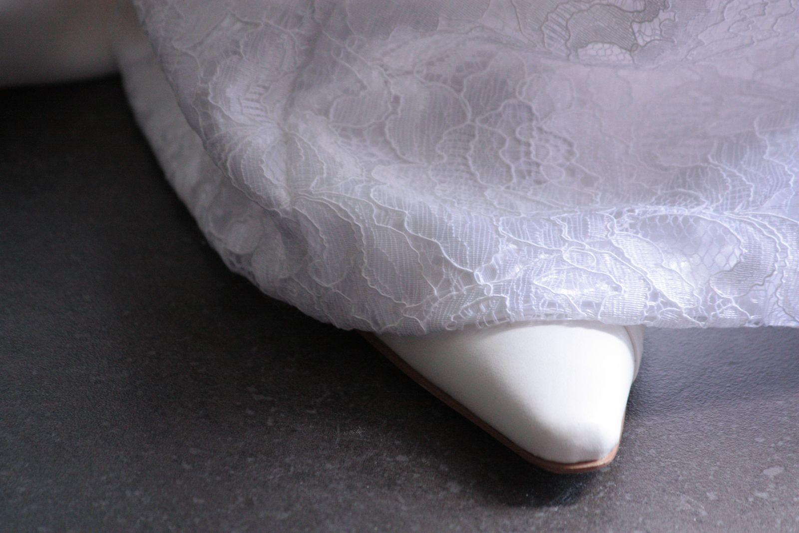 La mariée avait une belle robe style empire cousue mais par sa petite soeur !!!