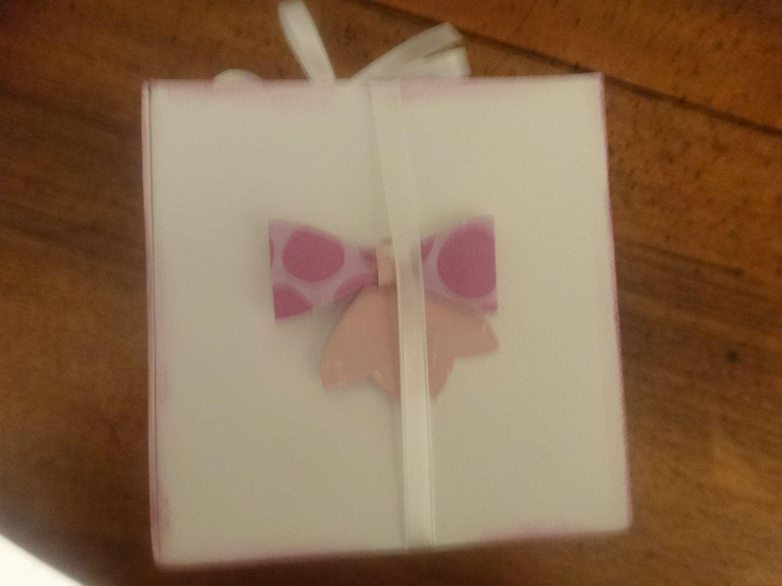 Bloc notes et sa boîte cadeau pour une amie