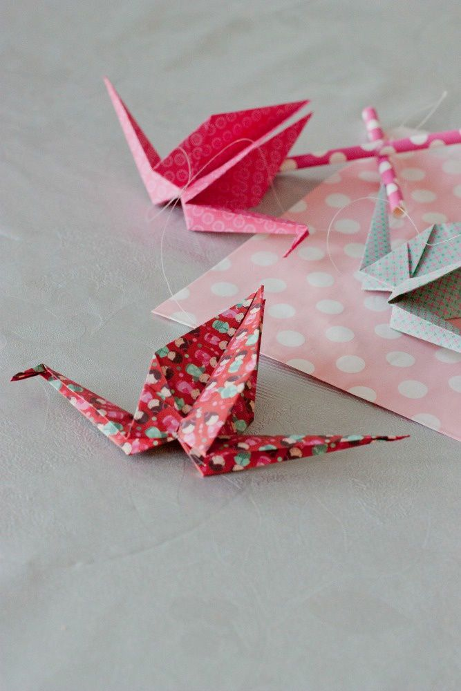 Petits mobiles en origami et sachets cadeaux!