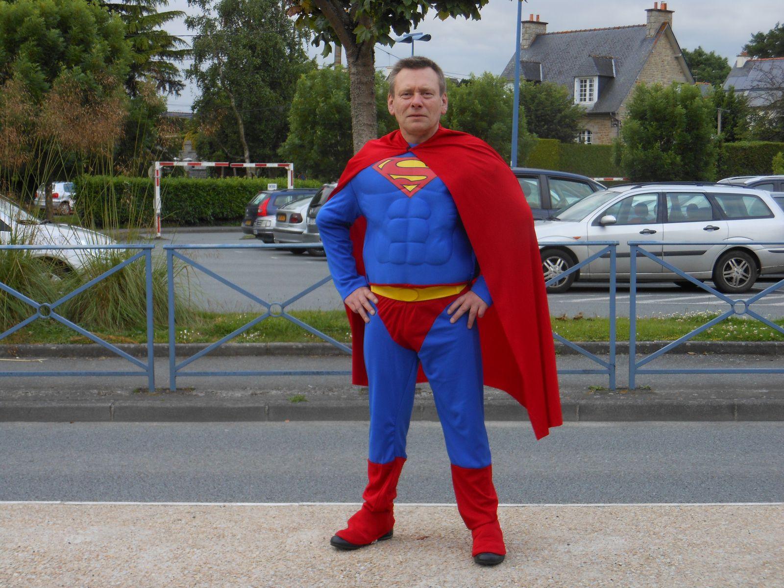 ERIC-C EN SUPERMAN A DINAN LES 22 et 23 JUIN 2013