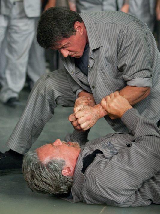 Evasion (BANDE ANNONCE VF et VOST 2013) avec Sylvester Stallone, Arnold Schwarzenegger, Jim Caviezel (Escape Plan)