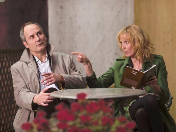 Aimer, boire et chanter (BANDE ANNONCE) avec Sabine Azéma, André Dussolier, Michel Vuillermoz - 26 03 2014