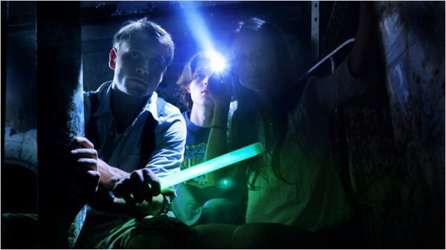 Urban explorer, le sous-sol de l'horreur (BANDE ANNONCE VO + 1 EXTRAIT VF 2011) avec Nathalie Kelley, Nick Eversman