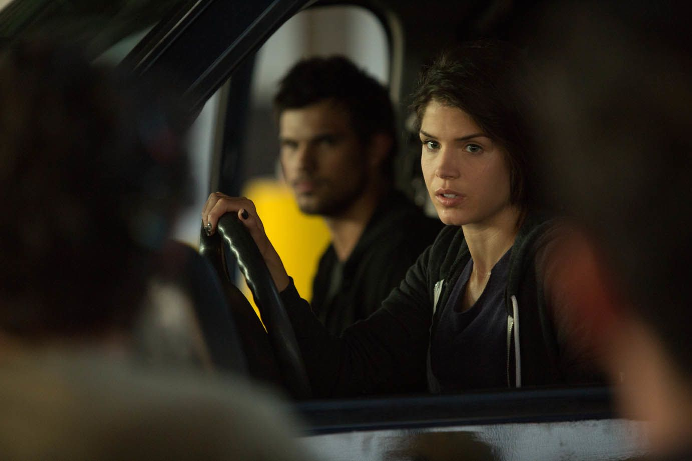 Tracers (BANDE ANNONCE VF et VOST) avec Taylor Lautner, Marie Avgeropoulos, Adam Rayner - 25 02 2015