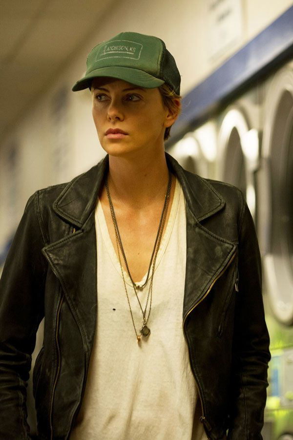 Dark Places (BANDE ANNONCE VF et VOST 2015) avec Charlize Theron, Chloë Grace Moretz, Christina Hendricks
