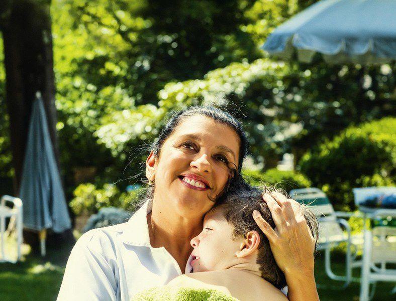 Une seconde mère (BANDE ANNONCE VOST) avec Regina Casé, Michel Joelsas, Camila Márdila