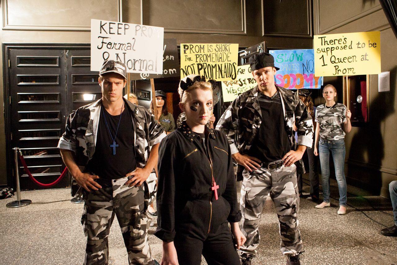 G.B.F. (BANDE ANNONCE VO 2013) avec Michael J. Willett, Paul Iacono, Sasha Pieterse