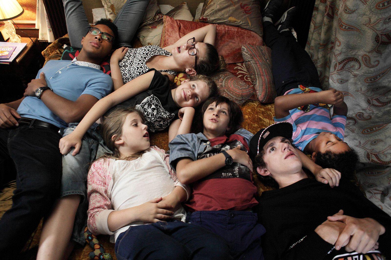 C'EST QUOI CETTE FAMILLE (BANDE ANNONCE) avec Julie Gayet, Lucien Jean-Baptiste, Julie Depardieu - Le 10 août 2016 au cinéma