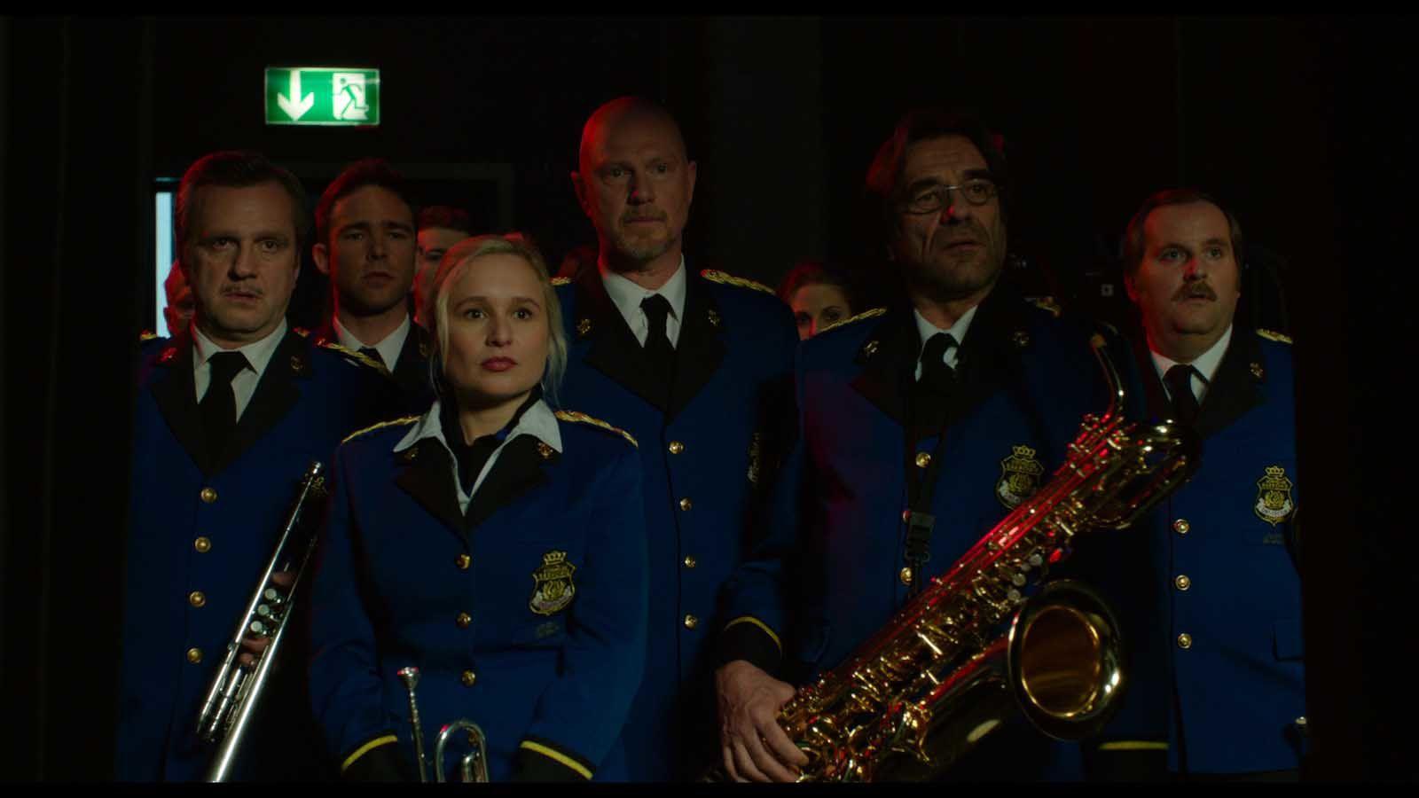 La vie est belge (BANDE ANNONCE) avec Amaryllis Uitterlinden, Arthur Dupont, Jos Verbist - Le 13 juillet 2016 au cinéma