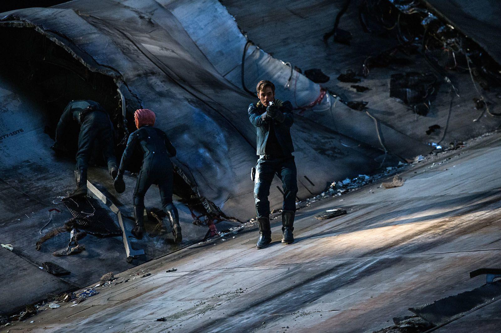 STAR TREK SANS LIMITES (BANDE ANNONCE VF et VOST) Au cinéma le 17 août 2016 (Star Trek Beyond)
