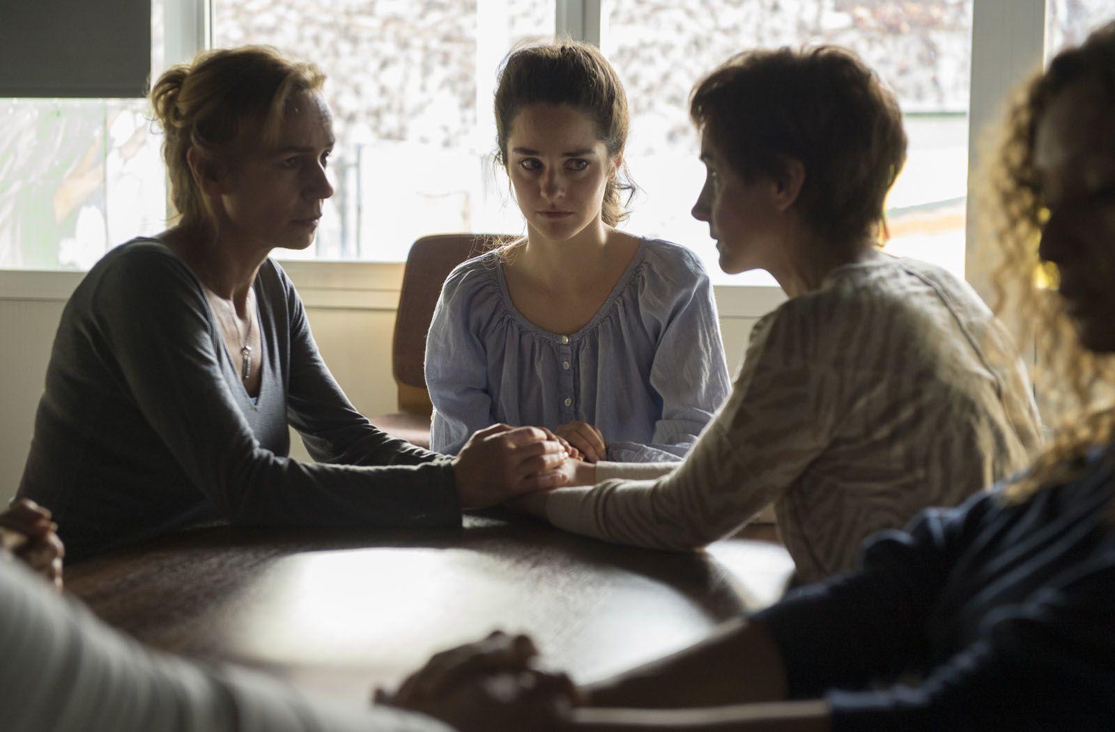 Le ciel attendra (BANDE ANNONCE) de Marie-Castille Mention Schaar avec Sandrine Bonnaire, Noémie Merlant, Clotilde Courau - Le 5 octobre 2016 au cinéma