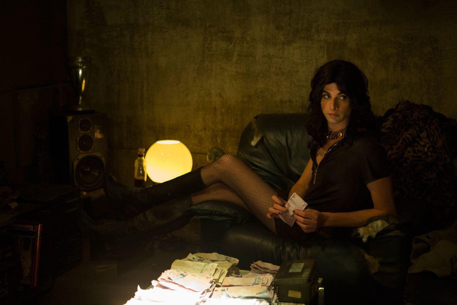 Arès (BANDE ANNONCE) avec Ola Rapace, Eva Lallier, Micha Lescot - Le 23 novembre 2016 au cinéma