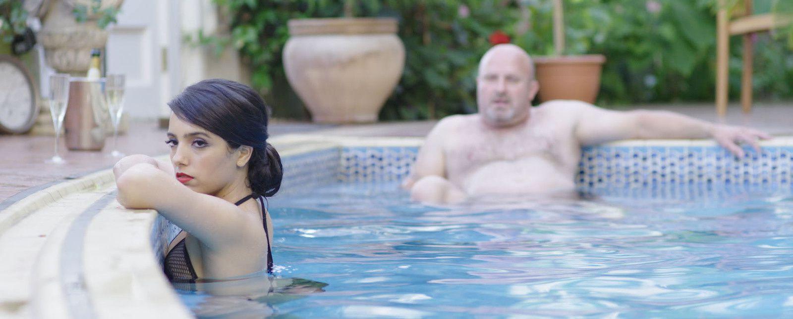 Sex Doll (BANDE ANNONCE) avec Hafsia Herzi, Ash Stymest, Karole Rocher - Le 7 décembre 2016 au cinéma
