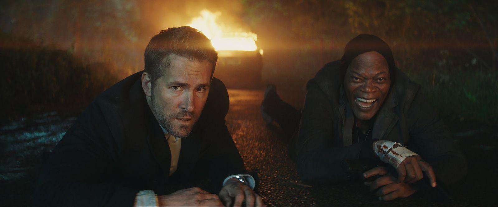 HITMAN &amp&#x3B; BODYGUARD : Ryan Reynolds et Samuel L.JACKSON forment un duo de choc dans le teaser ! // Au cinéma le 23 août 2017