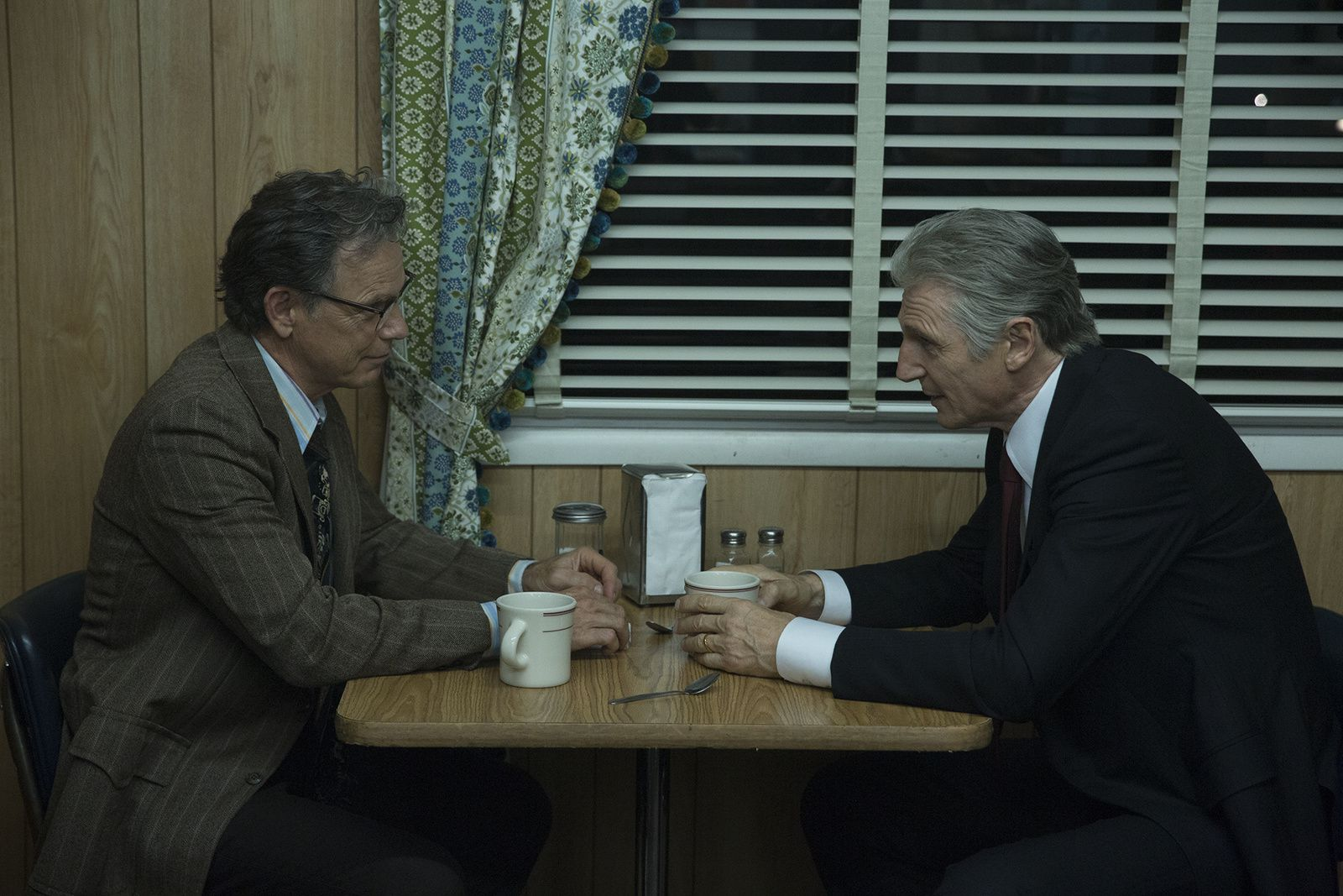 LIAM NEESON est THE SECRET MAN - MARK FELT : la bande-annonce + 2 extraits // Au cinéma le 1er novembre