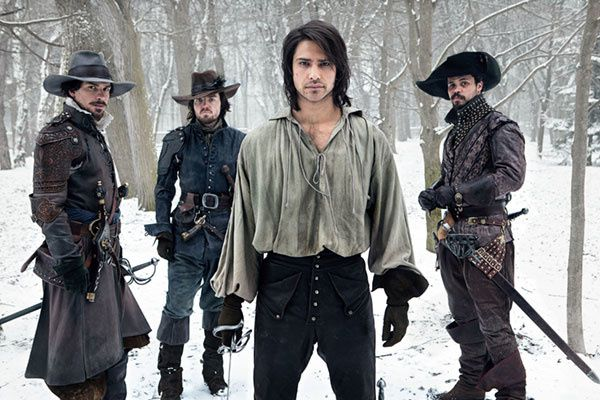 Les Trois Mousquetaires (BANDE ANNONCE VO SERIE TV 2014) avec Maimie McCoy, Luke Pasqualino, Santiago Cabrera (The Musketeers)