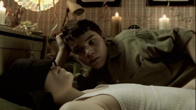 Ein Leben lang kurze Hosen tragen (BANDE ANNONCE VO 2002) (The Child I Never Was)