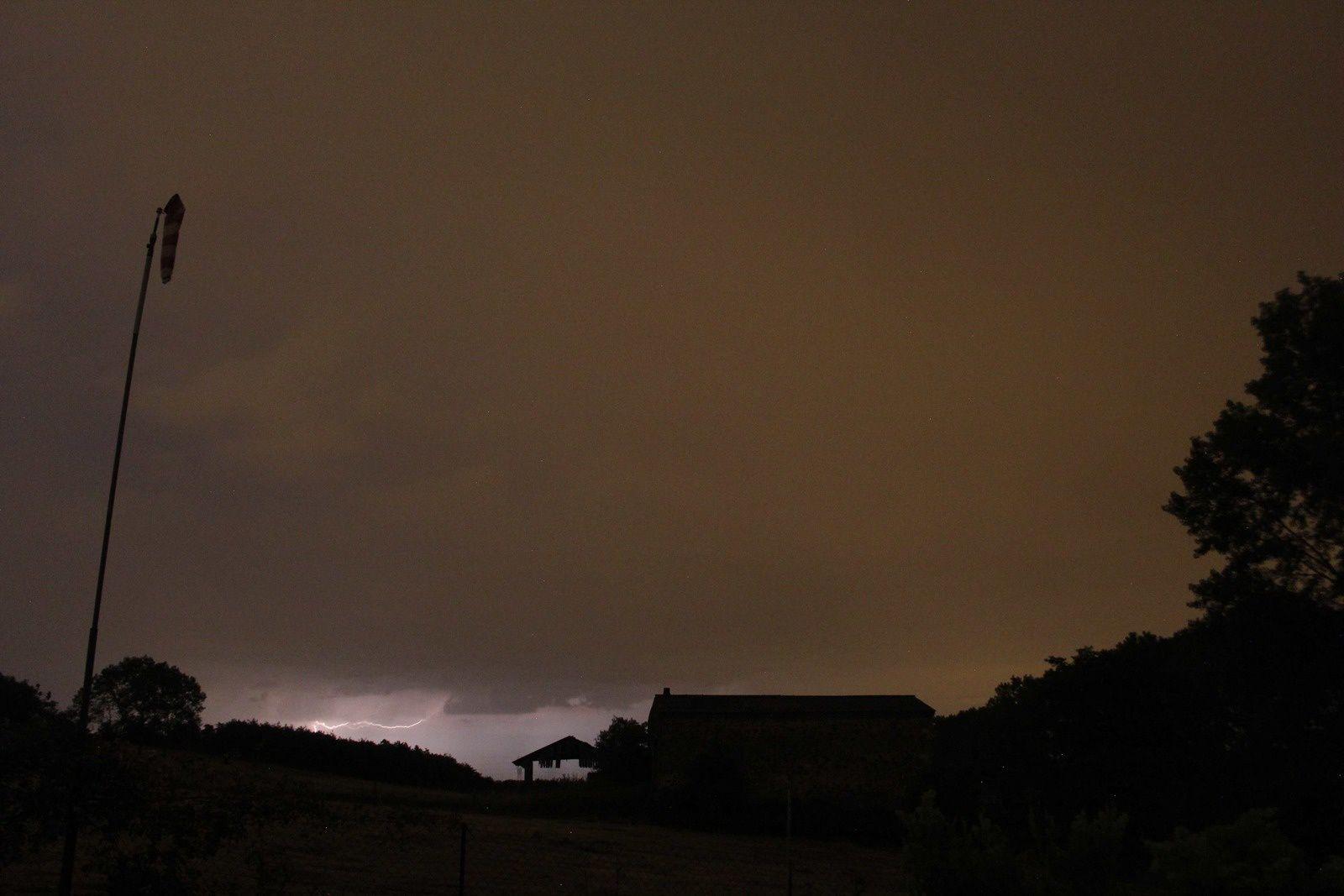 éclairs nocturnes