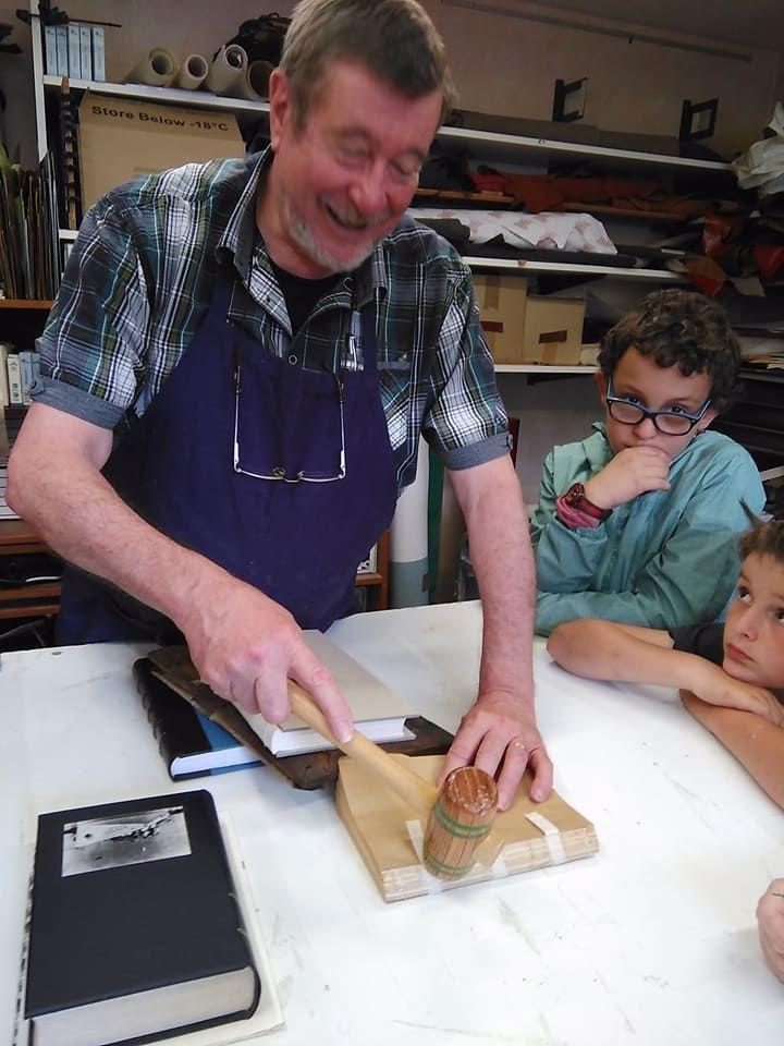 L'atelier de reliure et dorure d'art de Monsieur Vander Heyden