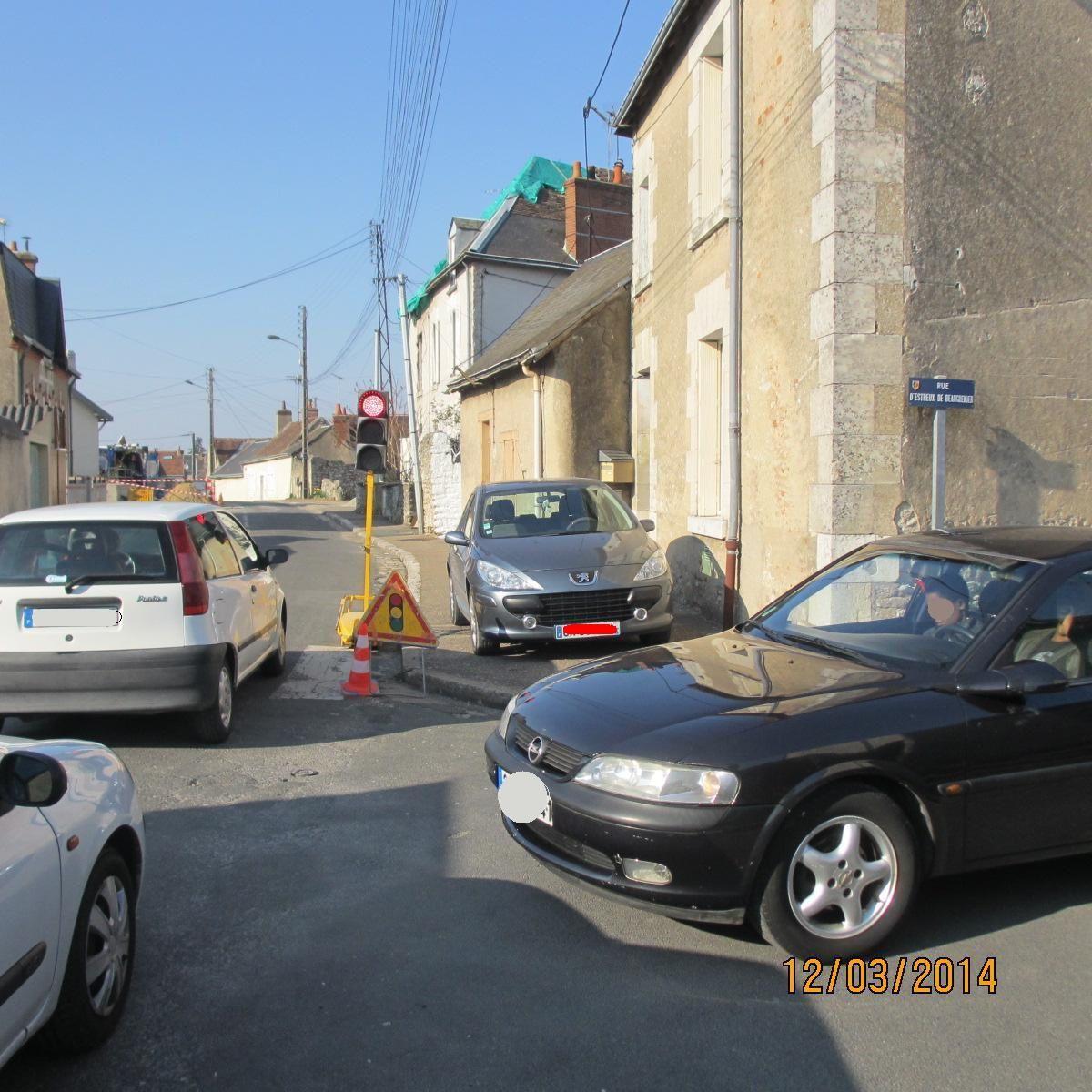 12 mars 214: Au croisement avec la rue de Beaugrenier, au moment des travaux !