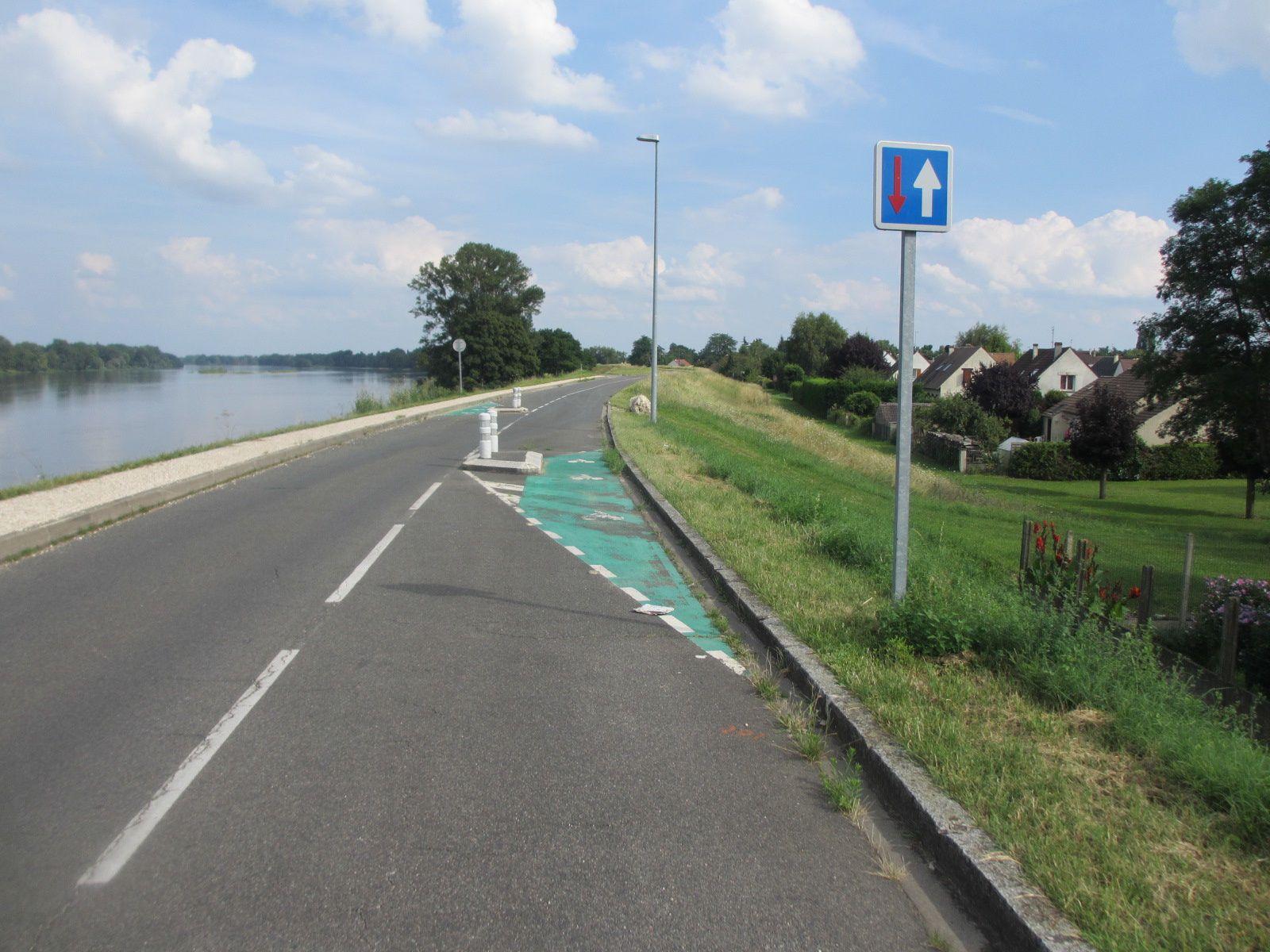 Le &quot&#x3B;guide du Routard&quot&#x3B; spécial &quot&#x3B;Loire à Vélo&quot&#x3B; serait en cours de préparation