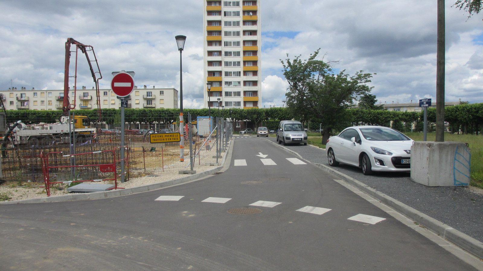 La rue du jumelage (Blois-Weimar) est-elle toujours à sens unique malgré l'arrêté municipal du 31 août 2015 ?