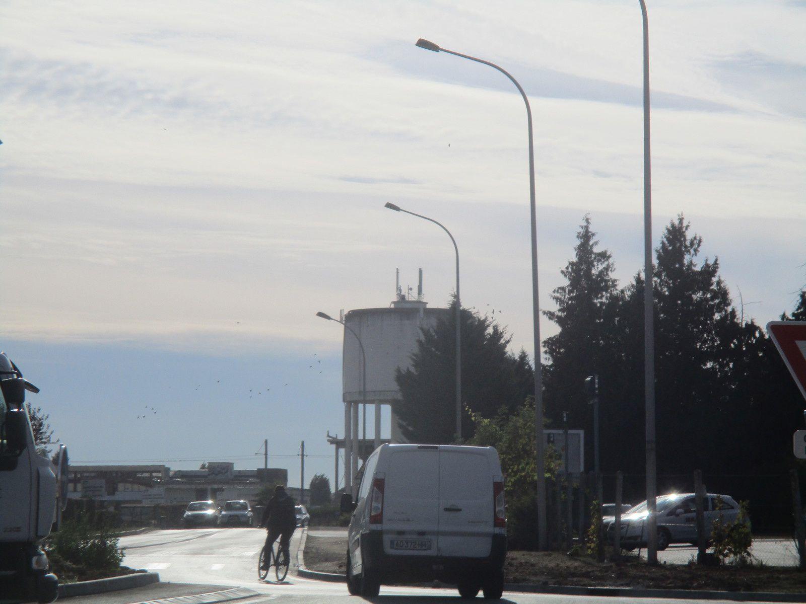 Le tout nouveau giratoire rues Alexandre Vezin/André Boulle à Blois va t-il finalement tenir compte des cyclistes ?