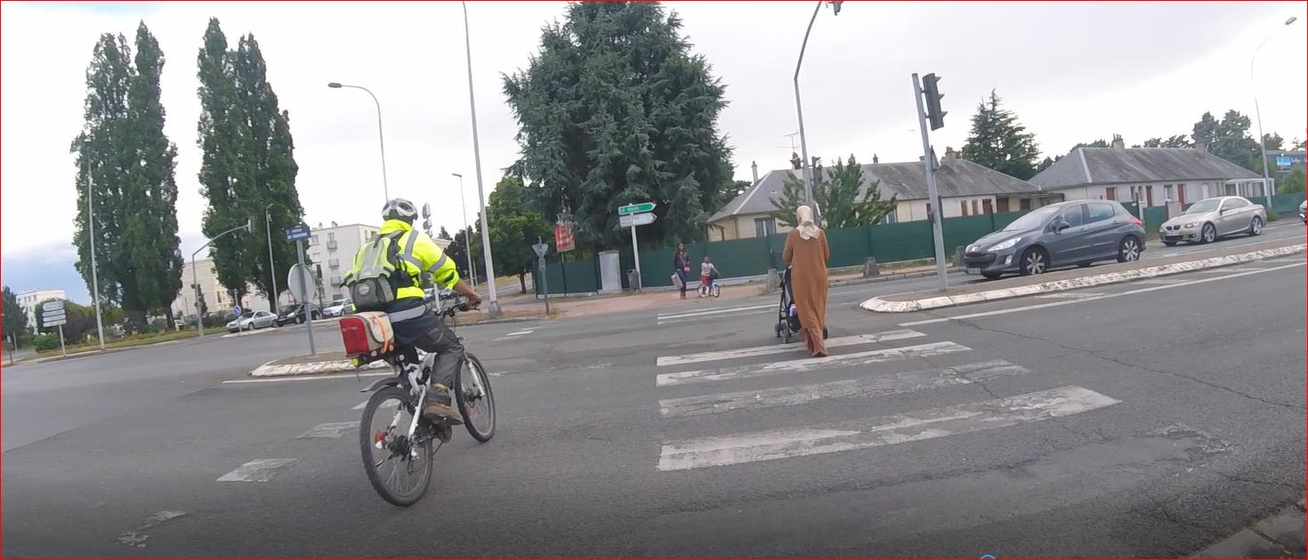 L'IFFSTAR (Institut français des sciences et technologies des transports, de l'aménagement et des réseaux) propose une enquête en ligne: Quel piéton ou quel cycliste êtes vous ?