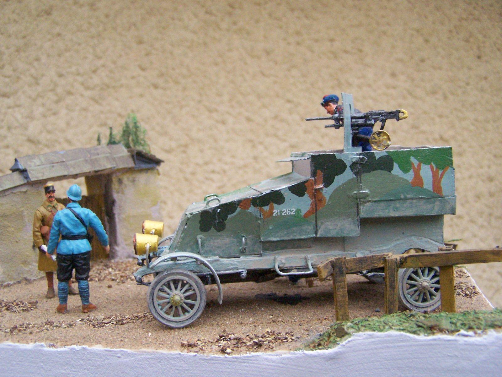 Un diorama guerre 1914/1918 WW1 une automitrailleuse RENAULT