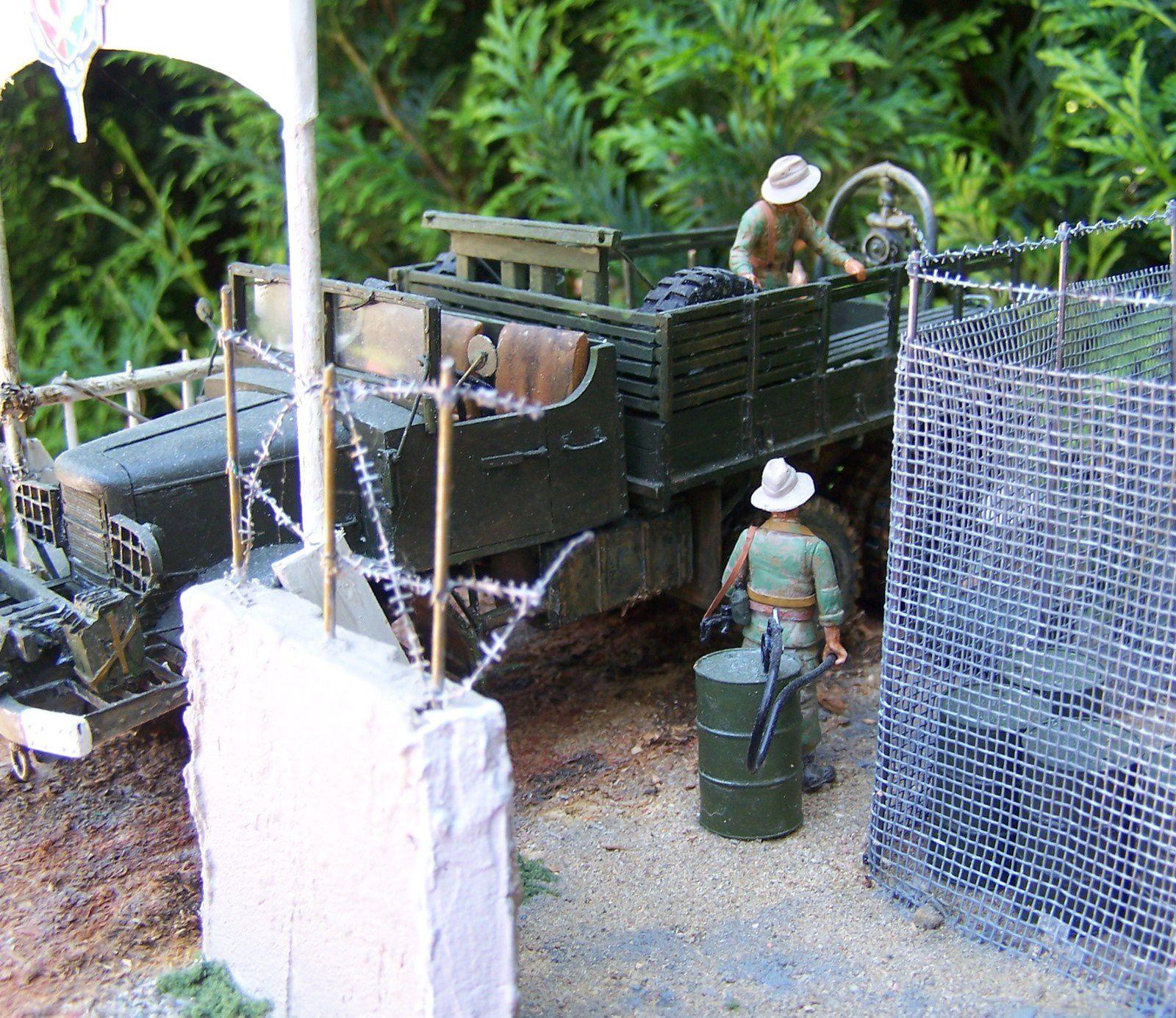 Diorama INDOCHINE un &quot&#x3B;gros camion mack NO6&quot&#x3B; tracteur d'artillerie lourde