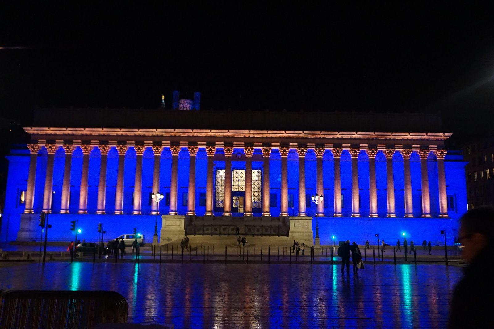 le palais de justice de lyon illumin 233 le de jean fran 231 ois duch