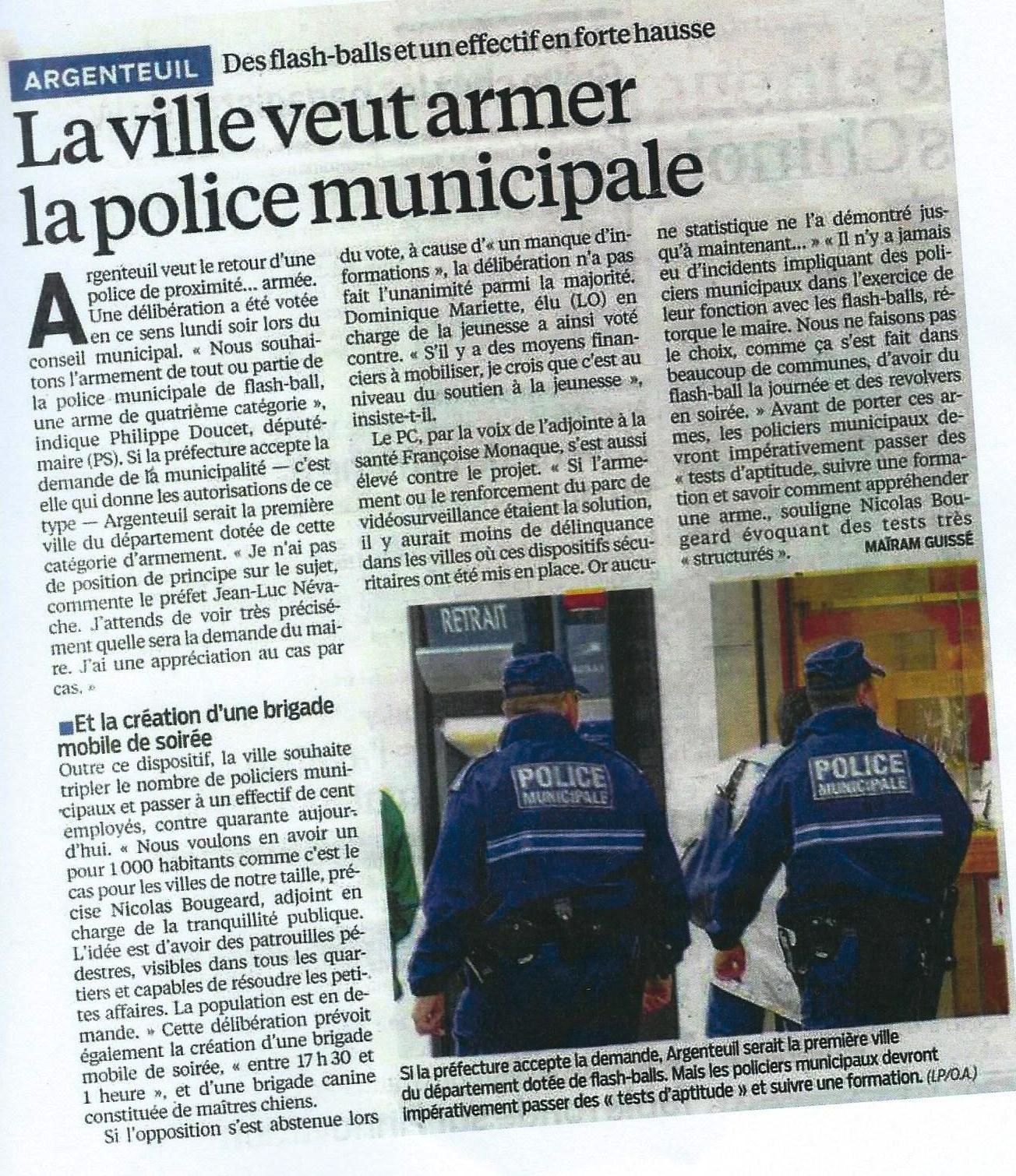 POLICE! PERSONNE NE BOUGE!