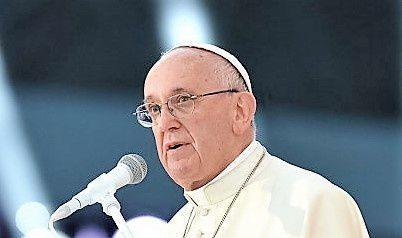 Le pape François accuse les manuels scolaires français de propager la théorie du genre