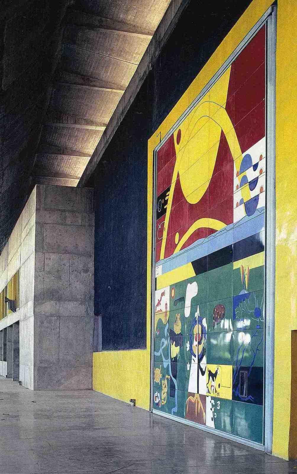 porte monumentale 7 X 7.70m palaisde l' Assemblée à Chandigarh