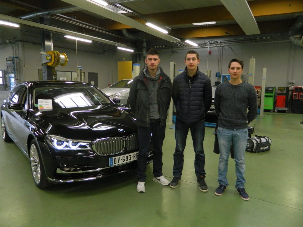 Les apprentis m caniciens participent au challenge bmw for Garage mecanique bmw