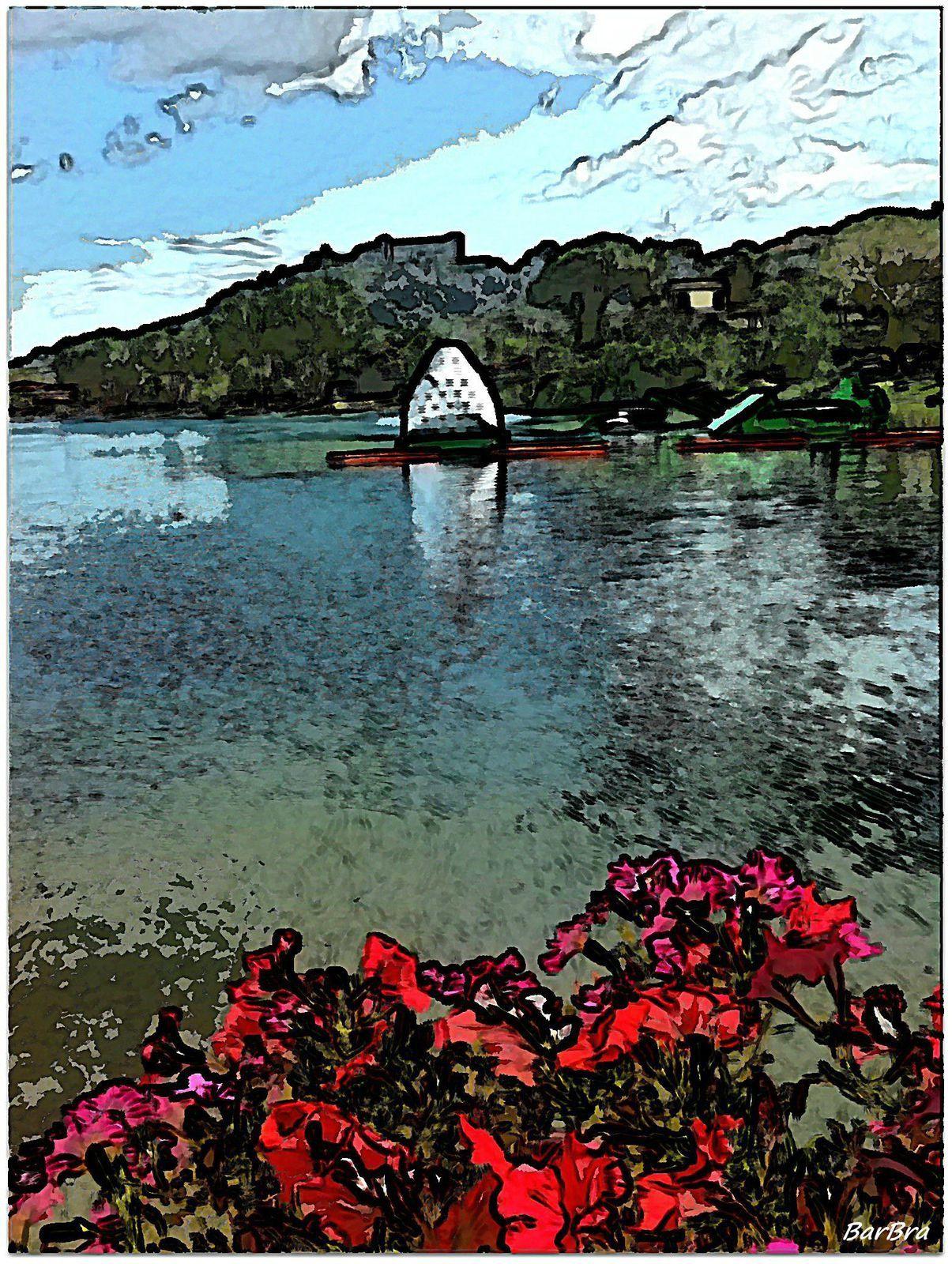 Surfinie sul lago