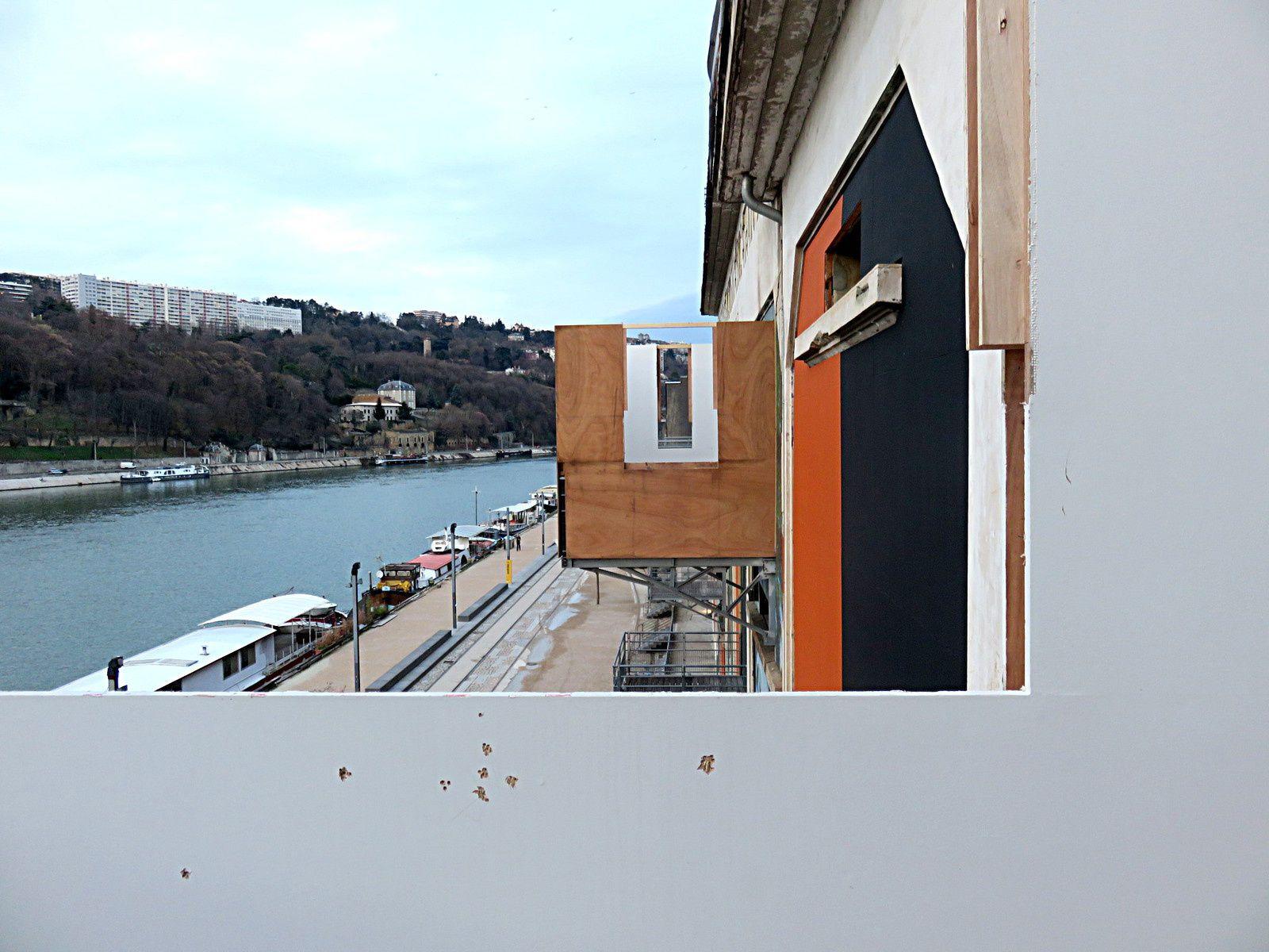 Démontage / 13e Biennale d'art contemporain