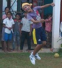 Sey,sey doc, boxe,volley,sauts, pétanque, football, basket, lancer de poids, corde a noeuds, badminton