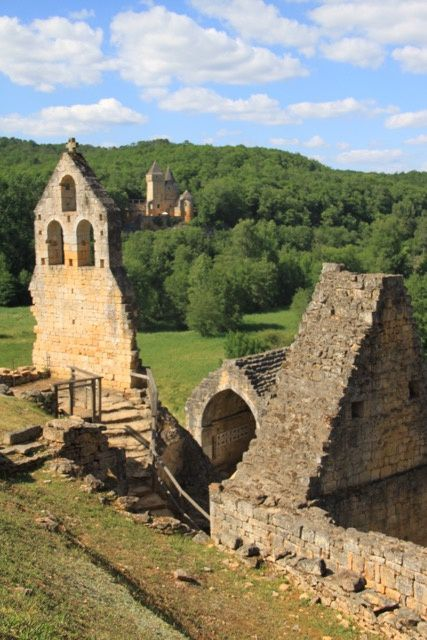 Commarque, la cité médiévale endormie