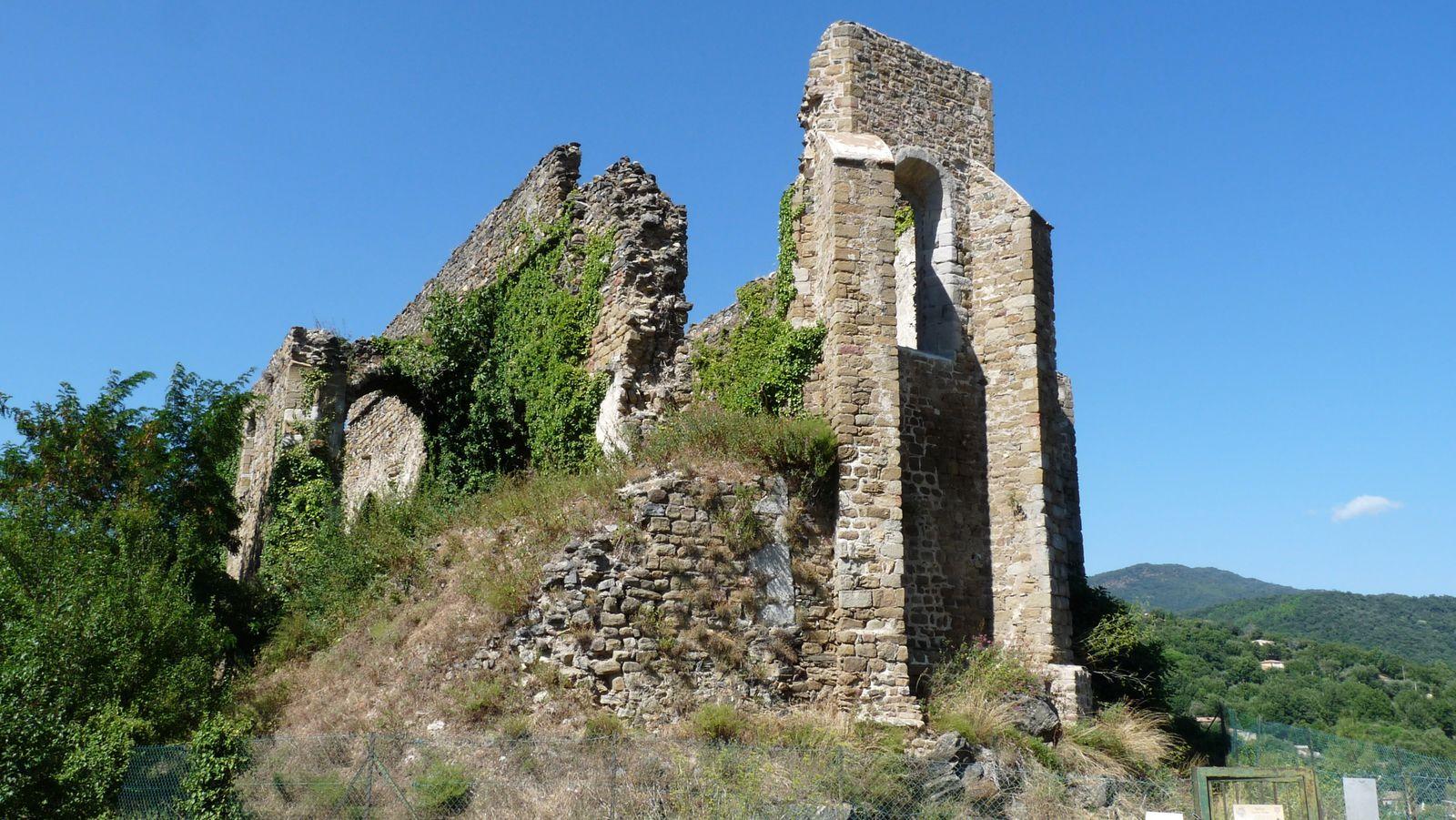Ruines de l'églises de Saint Pons datant du 12 ème siècle.