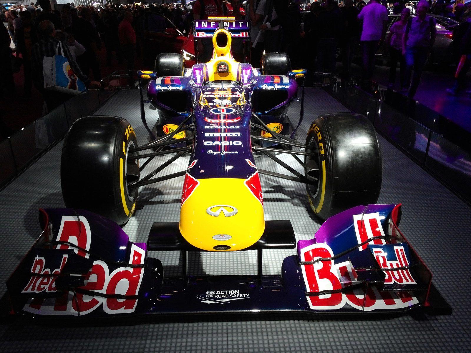 Infiniti, sponsor Red Bull Racing en F1 - La collaboration entre Red Bull Racing et Renault débute en 2007 et s'affirme depuis comme l'une des associations châssis-motoriste les plus victorieuses de l'Histoire de la Formule Un.
