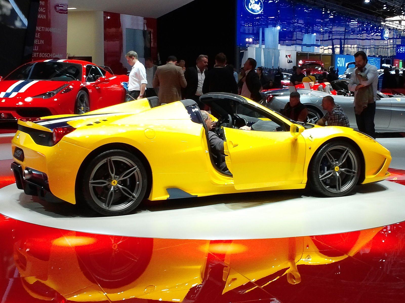 """Frerrari 458 Spéciale A - Toutes les rumeurs se sont tues ce jeudi 25 septembre, Ferrari a dévoilé officiellement la version cabriolet de la 458 Speciale à une semaine du Mondial de l'Automobile. Baptisée simplement """"A"""", pour """"Aperta"""" (ouverte en italien), cette sportive reprend le moteur V8 605 chevaux et sera éditée à 499 exemplaires."""