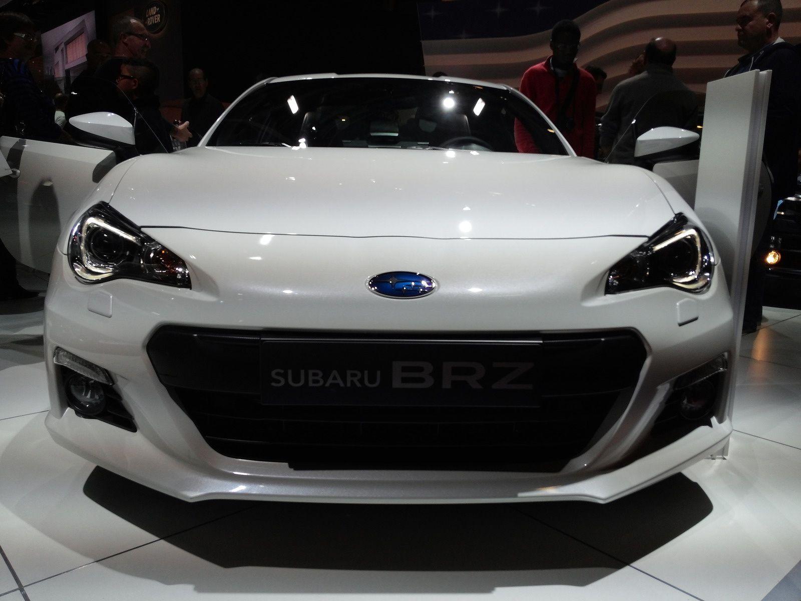Subaru BRZ 2.0 -  Cylindrée :2.0L 4cyl.  -  Puissance :200 ch à 7000 tr/min - Vitesse maximale 226 km/h 0 à 100 :7.6 s - Prix de base  29 800 €