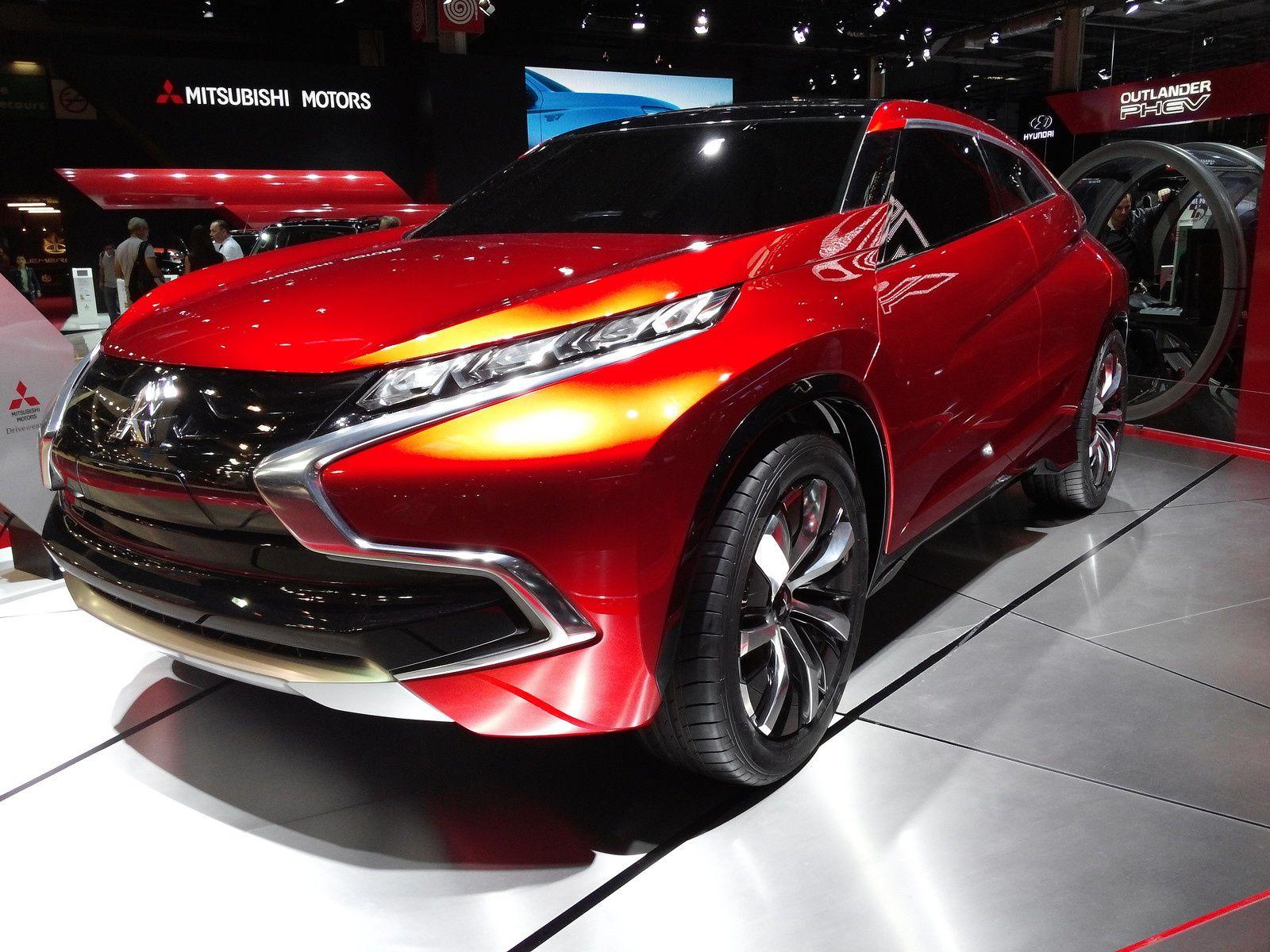 Concept XR-PHEV Mitsubishi - Consommation en mode hybride moins de 3.7L/100km - Autonomie en mode électrique (objectif) au moins 85 km.