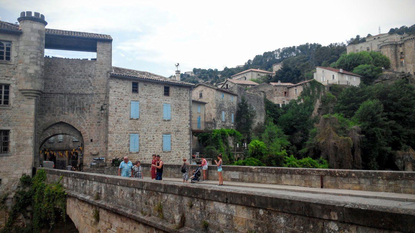 Ardèche - Vogüé - arche de Vallon-Pont-d'arc - Balazuc - Largentière