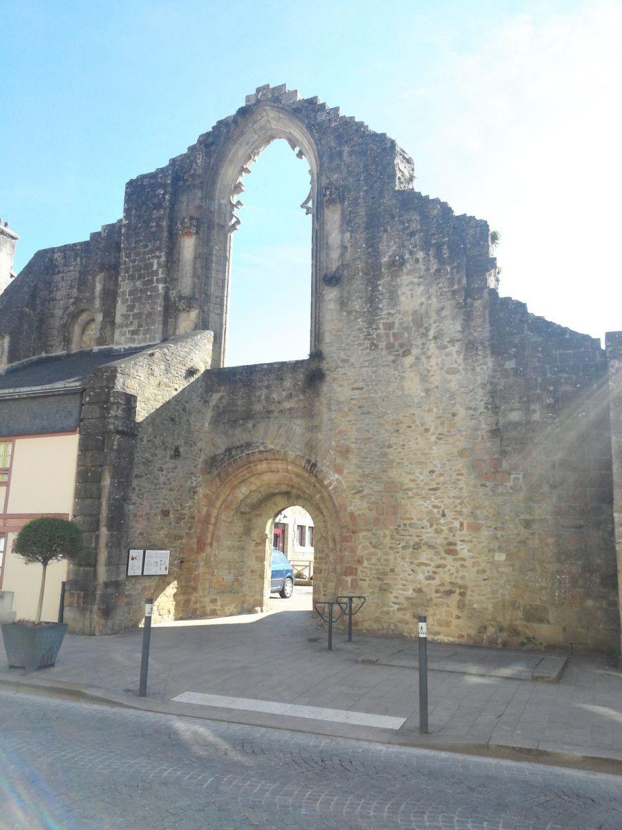 Domaine de Beg Porz - Moëlan-sur-mer - Merrien - Brigneau - Quimperlé - Camaret - Pont-Aven - Concarneau ville Close - Pointe de Trévignon - GR34